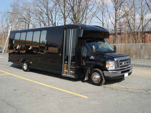 Luxury Coach 1 Exterior
